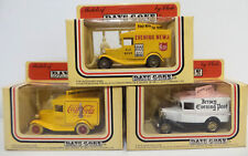 VEHICLES : DIE CAST SET OF 3 1934 MODEL A FORD VANS MADE BY LLEDO (DT) 155