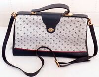 Authentic vintage 1980's Gucci Acessory collection leather cross body bag.