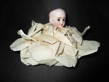 ancienne boite à dragée faisant poupée XIX ème