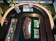 "HO Slot Car Track Borders 15"" 180 Degree Outer With Lead-in/out Sections & Walls"