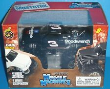 MUSCLE MACHINES Dale Earnhardt #3 Goodwrench Monster Truck USA MNSTRTRK NASCAR