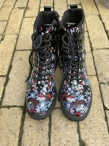 Doc Martin Style Boots Size 4