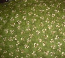 1 YD Riverwoods Daisies on Green QUILT FABRIC
