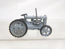 eso-91381:87 Traktor h.grau Räder geschloßen Metallguß sehr guter Zustand