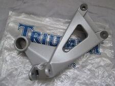 Genuine Triumph Sprint RS Right Rear Footrest Bracket T2080676 Supporto pedana