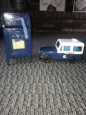 VINTAGE US MAIL JEEP/TRUCK~COIN BANK 1970s WESTERN STAMPING & Mail Box W/Key