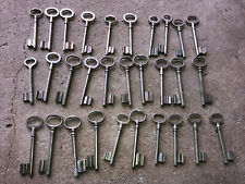 n° 43 Lot 30 clés anciennes de porte serrure clef / déco Clef table de mariage