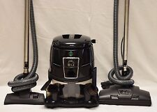 HYLA GST canister vacuum  Water filtration  Warranty  Works Perfectly