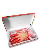Blutige Hand in Geschenkbox Animierte Halloween Dekoration