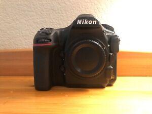 Nikon D850 in fantastic condition. 7,325 actuations.