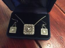 Montana Silversmith Earings And Necklace