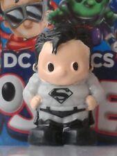 "OOSHIES Common Item "" BLACK & WHITE SUIT SUPERMAN "" DC Comics Series 3 Collectio"