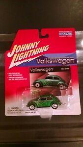 Johnny Lightning VOLKSWAGEN 1964 Beetle Green with Flames