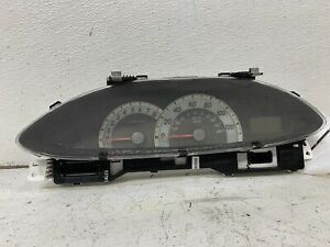 2007-2008 Toyota Yaris 4dr sedan MT speedometer cluster tach type 83800-52F00 oe