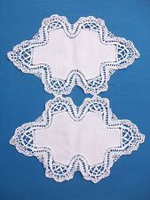 Paire de napperons anciens en coton blanc, grande dentelle autour ...