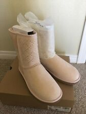 NIB UGG W CLASSIC SHORT CRYSTAL DIAMOND BOOTS Size 8 Freshwater Pearl