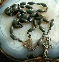alter rosenkranz mit  holz perlen kruzifix und nostalgischem mittelstück