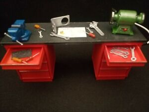 1/18 Diorama Accessories Workshop Workbench With Tools,Vice,Tool Grinder,Painted