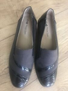 Ladies Brown Suede  Shoes . Shoe Tree . Size 6 . NEW . Comfort Flat Shoes