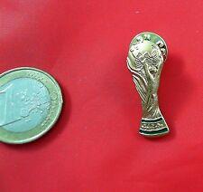 Fussball Pin Badge WM Pokal wird sind Weltmeister Logo gold