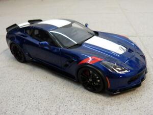 Chevrolet Corvette C7 2017 Grand Sport blau weiß rot GT Spirit Modellauto 1:18