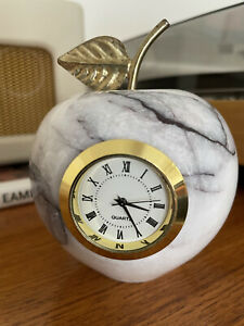 Vintage Onyx Mable Apple With Clock. Preowned Immaculate Condition. New Battery.