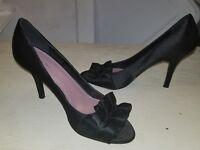 Tahari Womens Black Satin Pumps High Heels 7.5m Peep Toe With Bows Leather