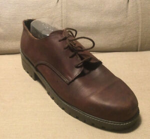 Vintage Picasso Australian Candy Leather Dress Shoes (size 6)