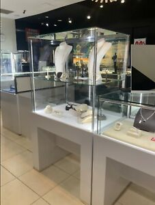 14 Jewelry & watches Display Cases Showcases Frameless LED-LOCKS + 6 led signs