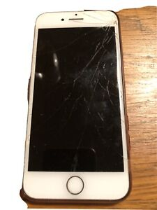 Apple iPhone 7 - 32GB - Rose Gold - Cracked Screen