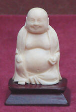 magnifique ancien bouddha sur socle en bois tres fin détail