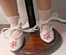 """NOS WHITE VINYL TIE ON SHOES & SOCKS fit 17"""" SHIRLEY TEMPLE DOLL (2""""X1"""" FOOT)"""