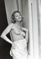 A020   beautiful nude girl original black and white medium format film negative