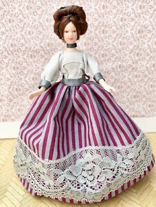 Gorgeous Dolls House Victorian Style Lady / Figure / Doll