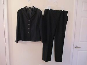 Kasper lined navy polyester pant suit size 18 NWT