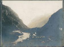 France, Pyrénées, Vue d'un village montagnard, ca.1920, vintage silver prin