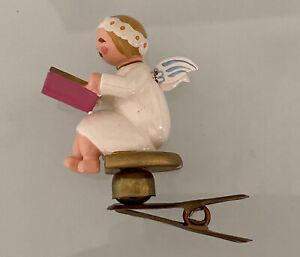 Margeriten Engel mit Liederbuch Buch auf Clip Wendt und Kühn Erzgebirge 1882/21