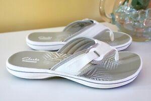 NIB Clarks Breeze Mila Thong Sandals Flip Flops, White, Size 7 M