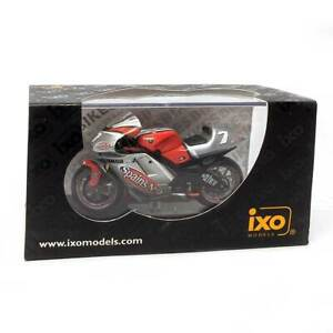 IXO Models Mini Motorcycles: Yamaha YZR-M1 C. Checa #7 MotoGP 2003 1/24 Scale