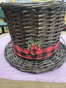 christmas top hat wicker planter