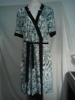 Andrew Marc of New York Ladies Stretch Wrap Dress in an Abstract Print Size L
