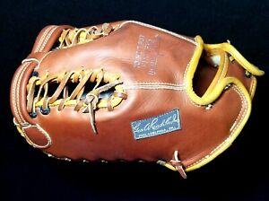 Fantastic 1940s REACH Mint Condition VTG Trapper Model Baseball Glove Mitt T22