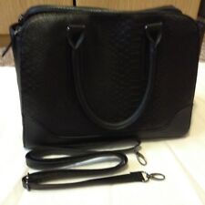 New Atmosphere Ladies black handbag with  shoulder strap