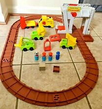 Fisher Price Little People Lift & Load Railroad #943