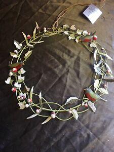 Gisela Graham Christmas Metal Green Snowy Wreath With Robins 22cm Diameter - 519