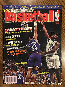 Vintage 1995 Street & Smith's Pro Basketball Magazine - Shaquille & Alonzo Cover