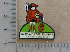 PIN'S FOOTBALL NATIONAL FOOT POUSSINS ES LES HERBIERS VENDEE