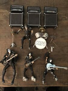 KISS MCFARLANE FIGURES ALIVE SERIES 2000 SET OF 4, Include all you see here
