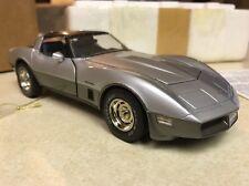 Rare 1/24 Franklin Mint Silver & Charcoal 1982 Corvette