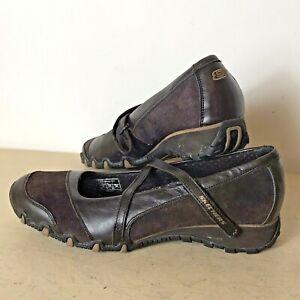 Skechers Women's Leather Plum Shoes Size 7 (UK) 40 (EUR) 10 (USA) VGC